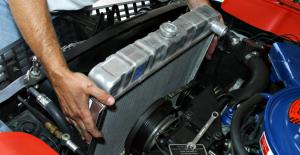 fallas-comunes-que-presenta-el-radiador-del-coche